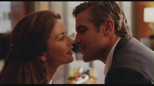 George-Clooney-in-Intolerable-Cruelty-george-clooney-26129604-500-281.jpg
